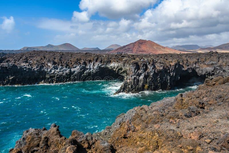 在Los Hervideros的火山的沿海风景在兰萨罗特岛,西班牙 库存图片