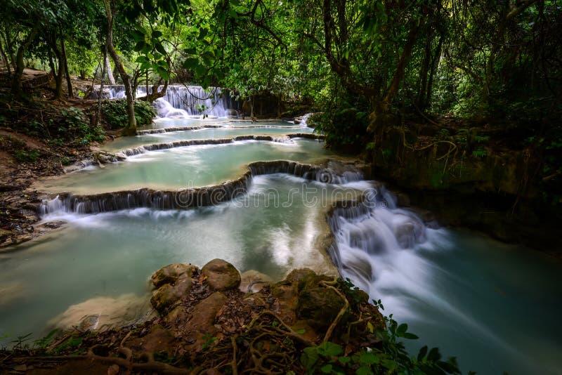 在Luangprabang省的Kuangsi瀑布 免版税库存照片