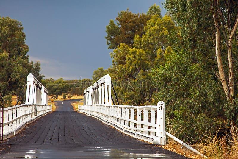 在Macquarie河的Rawsonville桥梁在Dubbo附近 库存照片