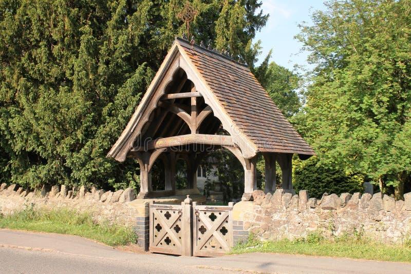 在Madresfield教会,英国的Lychgate 库存照片