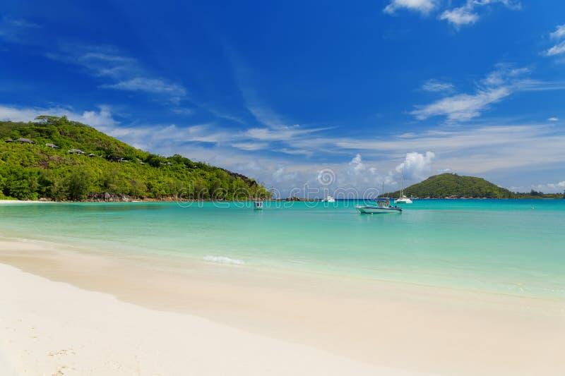 在Mahe海岛,塞舌尔群岛的平静和美丽的Polone海滩 图库摄影