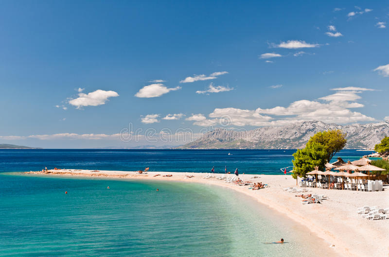 在Makarska,克罗地亚的海滩 免版税库存图片
