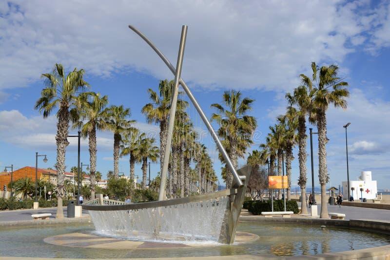 在Malvarossa海滩的喷泉 巴伦西亚 西班牙 免版税库存照片