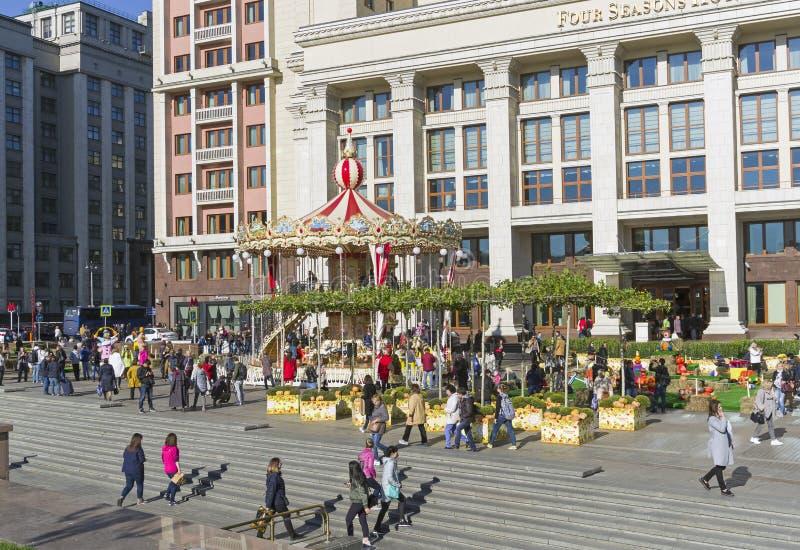 在Manezhnaya广场的转盘 莫斯科俄国 免版税库存图片