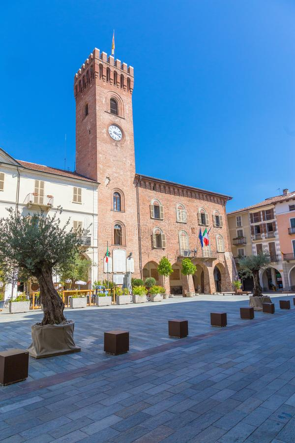 在Martiri广场, Nizza Monferato的钟楼 库存图片