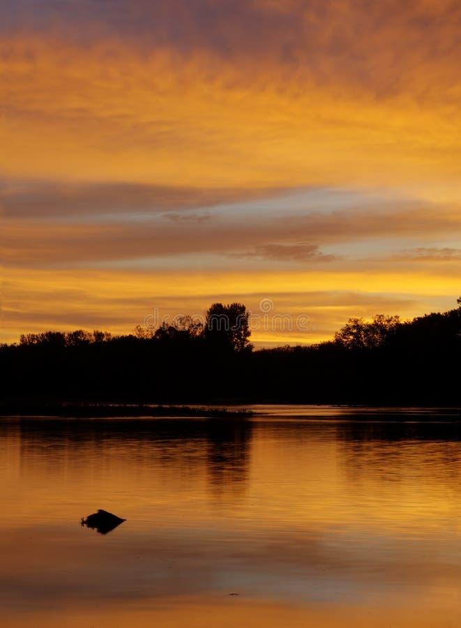 在Maumee河的日出 库存图片
