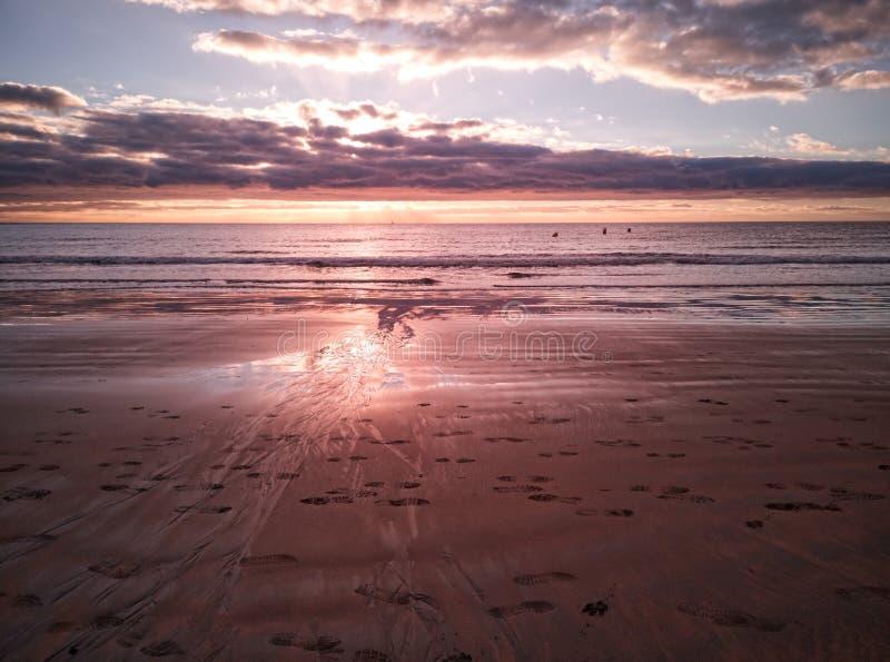 在Medano海滩的珊瑚黎明风景 库存照片