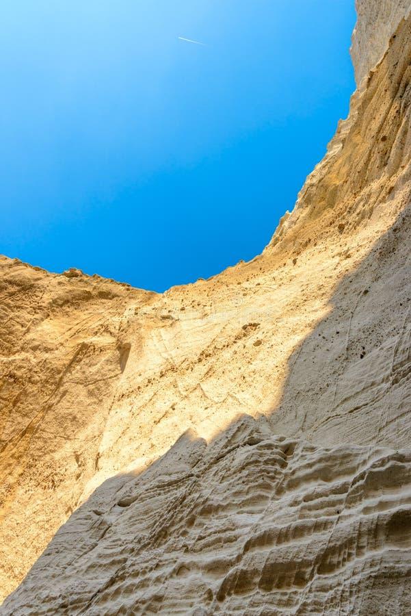 Download 在Melos海岛,希腊的Sykia洞 库存照片. 图片 包括有 希腊, cyclades, 崩溃, 火箭筒 - 72366912