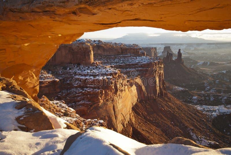 在Mesa曲拱, Canyonlands,犹他的日出 免版税图库摄影