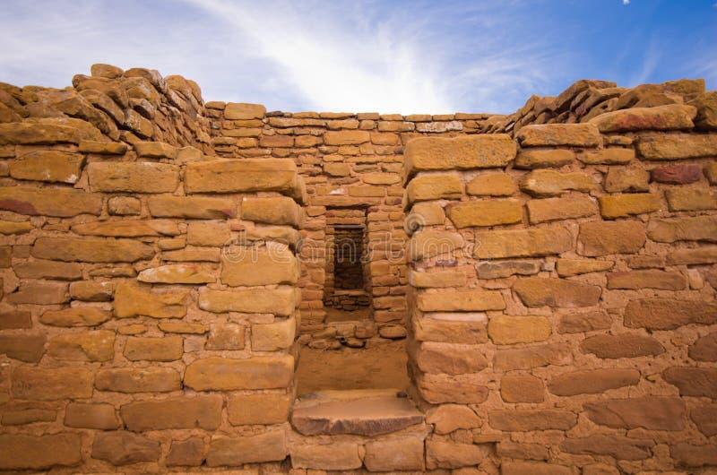 在Mesa Verde国家公园的远的看法公共废墟。 库存图片