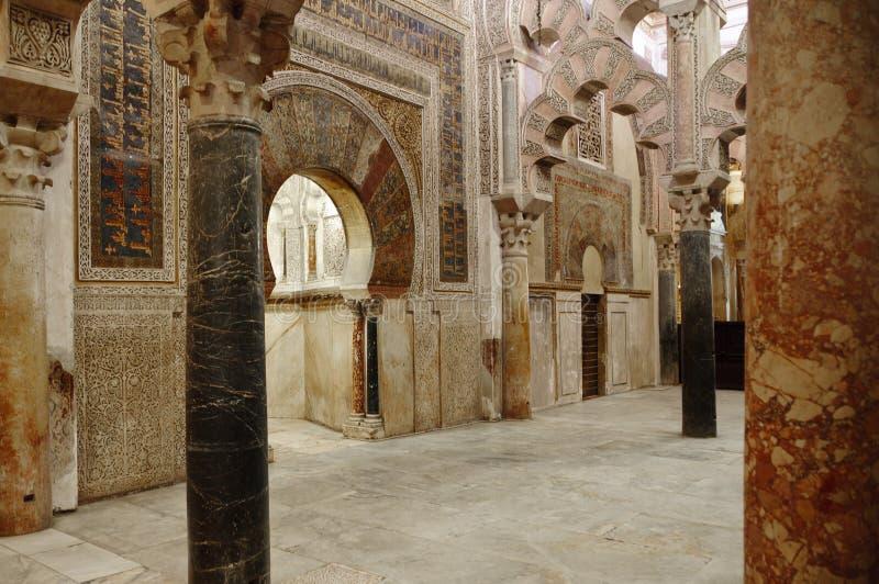 在mezquita西班牙里面的科多巴 免版税图库摄影