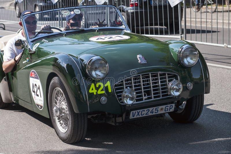 在Mille Miglia种族的老汽车 库存照片