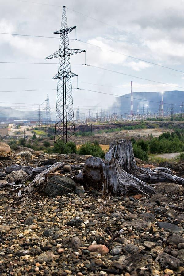 在Monchegorsk附近的死的自然 免版税库存照片