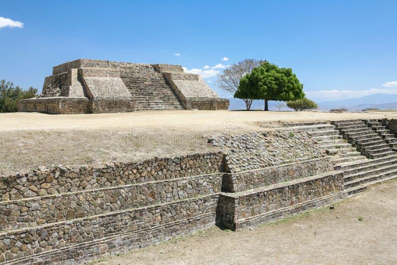 在Monte奥尔本,瓦哈卡,墨西哥的古老墨西哥人废墟 库存照片