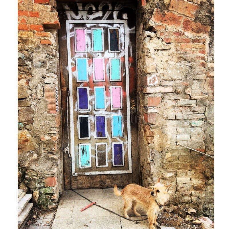 在Montjuic,巴塞罗那西班牙的门 库存图片