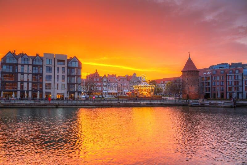 在Motlawa河的美好的日落在格但斯克,波兰 免版税库存图片