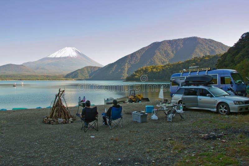在Mt基地的营火  富士 图库摄影