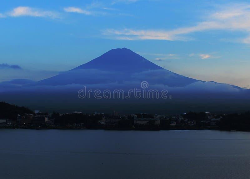 在Mt富士的美好的日落2018年 免版税库存图片