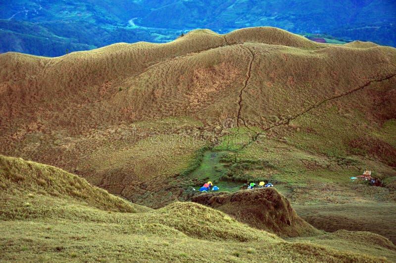 在Mt的马鞍阵营 Pulag,本格特省,菲律宾 免版税图库摄影