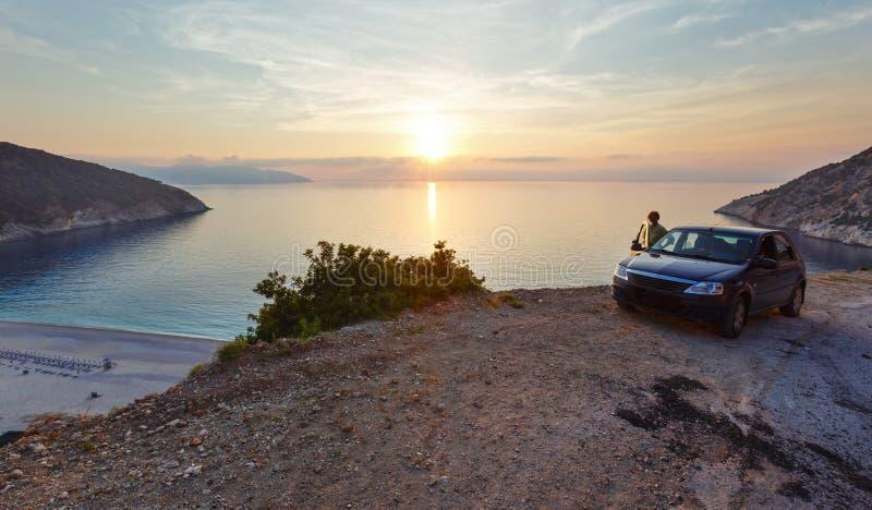 在Myrtos海滩(希腊、Kefalonia,爱奥尼亚海)的日落 免版税图库摄影