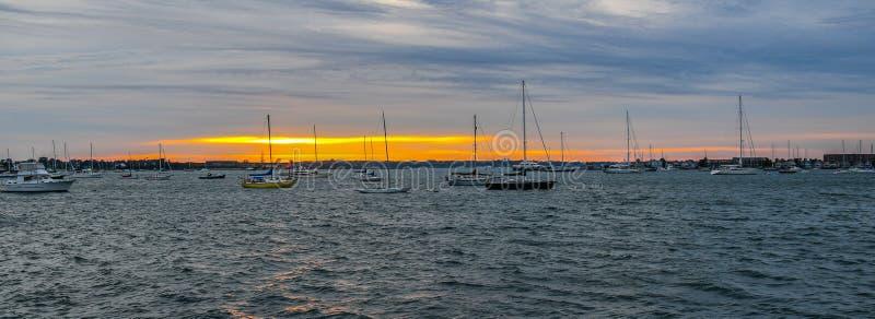 在Narragansett海湾的日落 免版税图库摄影