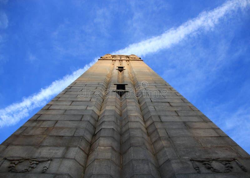 在NCSU的纪念钟楼 免版税库存图片