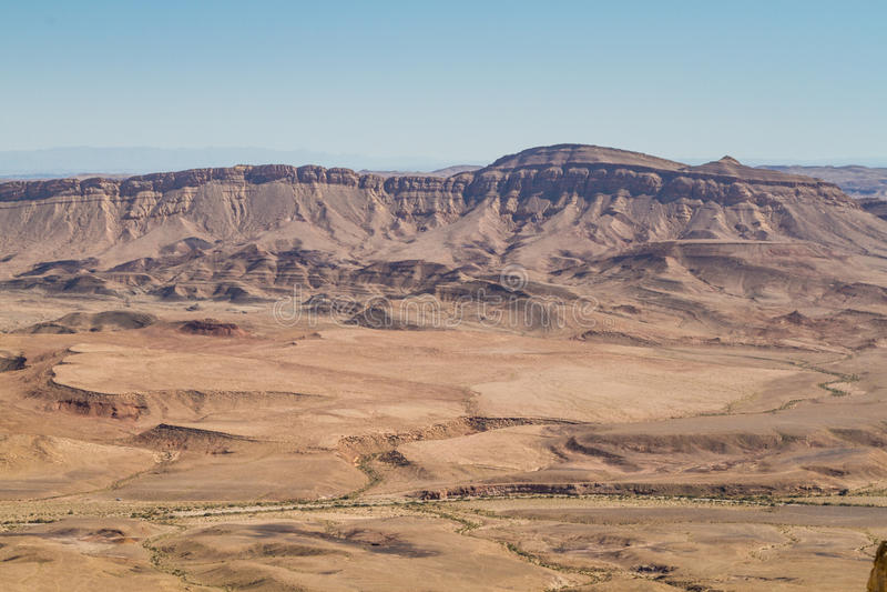 在Neqev沙漠,以色列离开风景, Makhtesh拉蒙 免版税库存图片