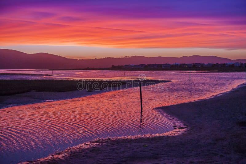 在Nesna湖的日落 库存图片