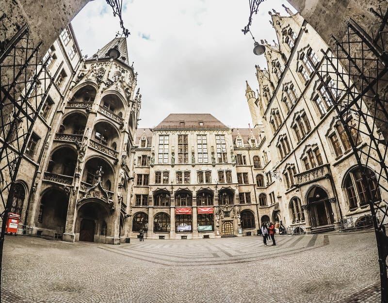 在Neues Rathaus里面,专区在慕尼黑 免版税图库摄影