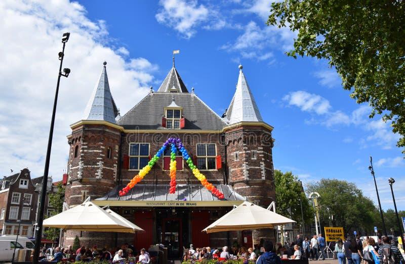 在Nieuwmarkt的De Waag在阿姆斯特丹,荷兰,荷兰 库存照片