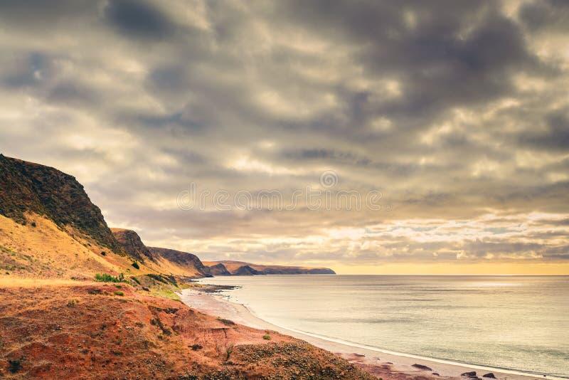 在Normanville海滩坚固性海滩的风景日落视图 免版税库存照片