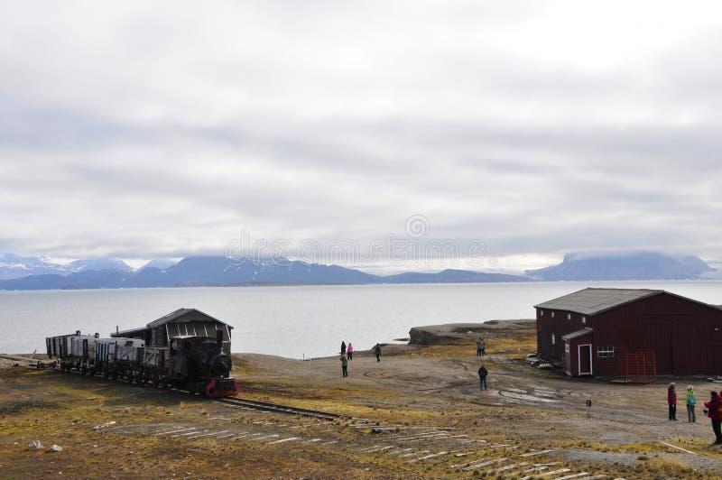 在Ny Alesund (Spitsbergen)的老Eisembahn 库存图片
