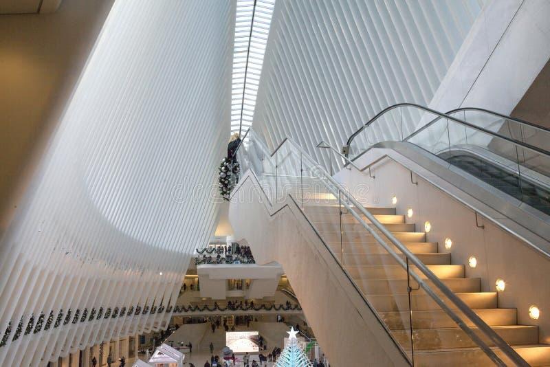 在Oculus的台阶在世界贸易中心,纽约中 库存图片