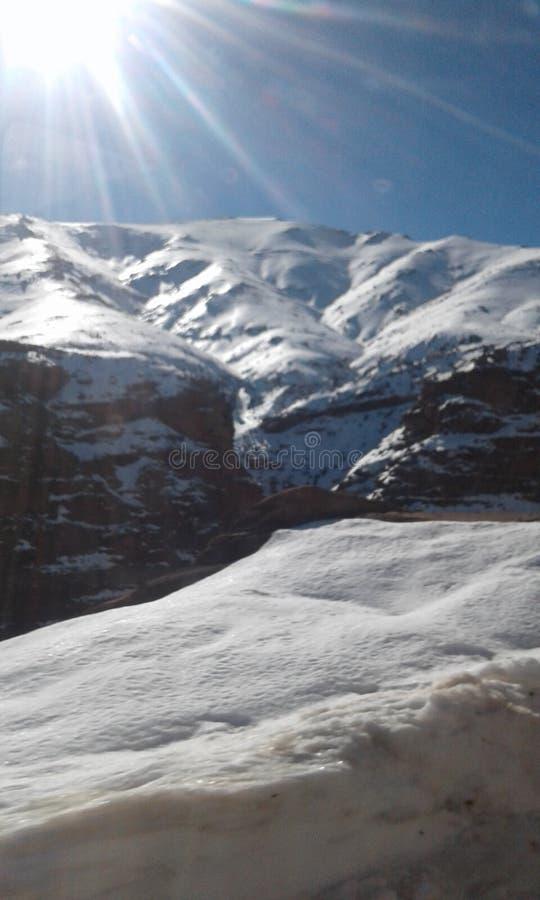 在Okimden山的太阳亮光 库存照片