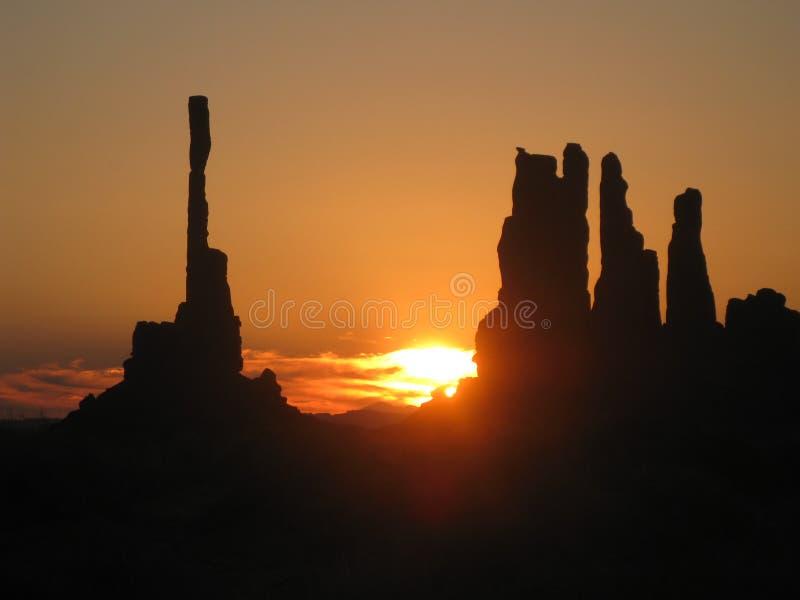 在Oljato纪念碑谷的日出 免版税库存图片