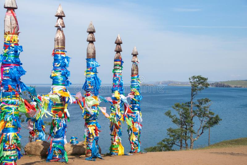 在Olkhon海岛上的神圣的毛哔叽柱子 图库摄影