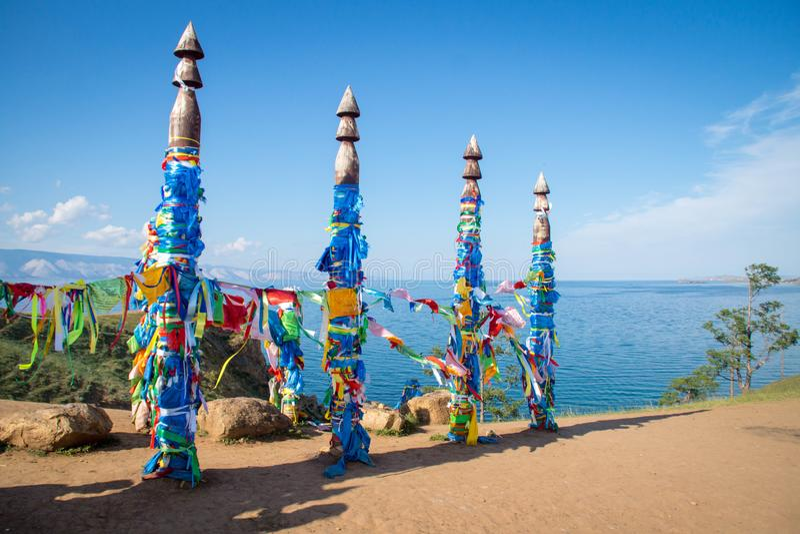 在Olkhon海岛上的神圣的毛哔叽柱子 免版税库存照片
