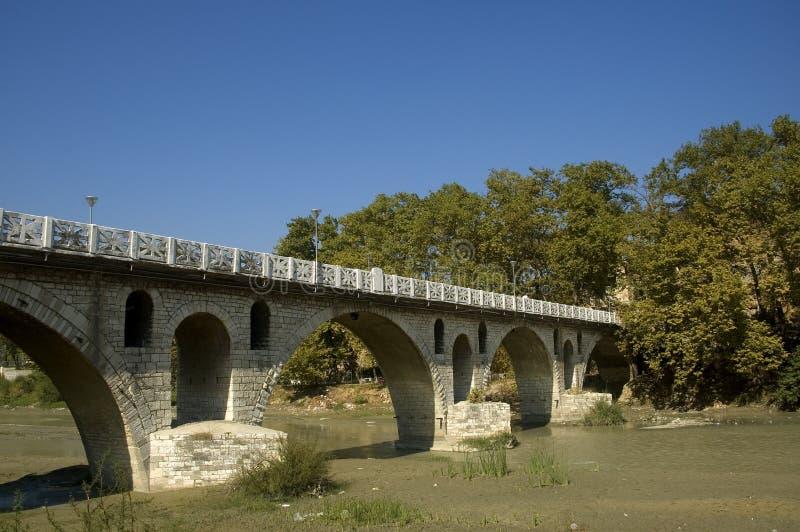在Osum河的桥梁, Berati,阿尔巴尼亚 免版税库存图片