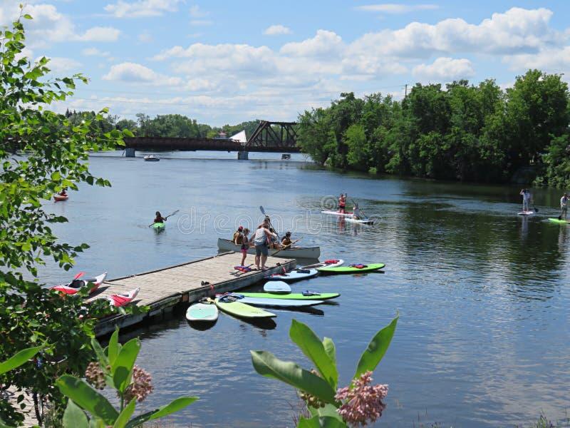 在Otonabee河的水上运动 免版税图库摄影