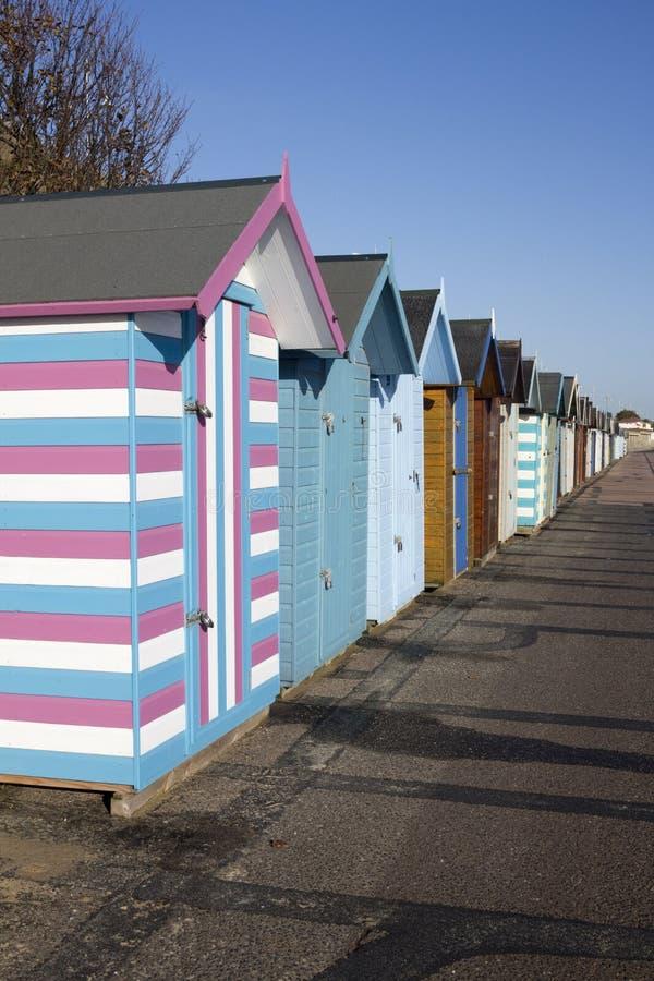 在Pakefield,萨福克,英国的海滩小屋 免版税图库摄影