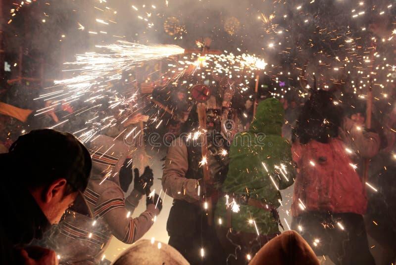 在palma的Correfoc在圣Sebastian地方赞助人庆祝细节期间 库存照片