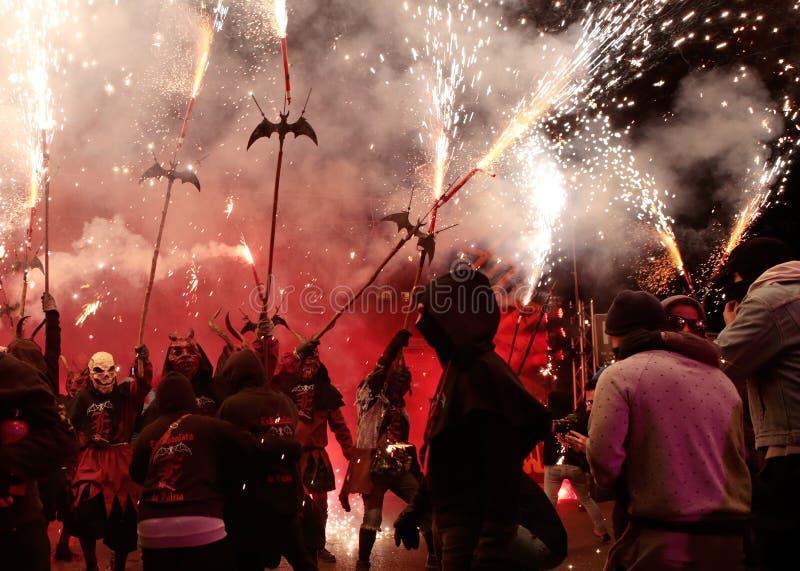 在palma的Correfoc在宽圣Sebastian地方赞助人庆祝期间 免版税库存图片