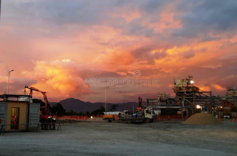 在Papuan高地的日落 库存图片