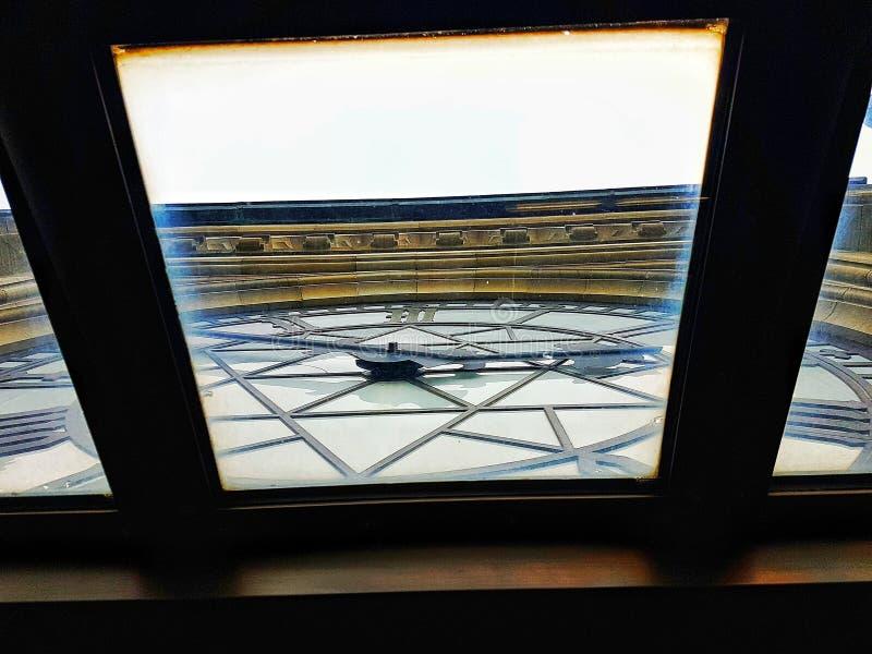 在Parlament大厦的时钟 免版税库存照片
