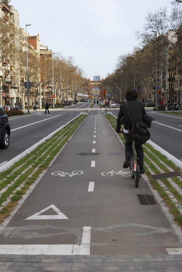 自行车道在巴塞罗那。 西班牙 免版税库存照片