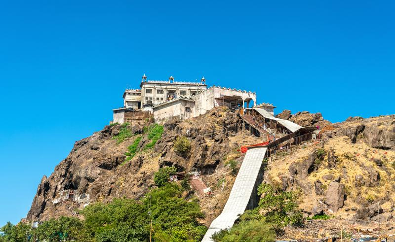 在Pavagadh小山-古杰雷特,印度山顶的Kalika末多寺庙  免版税库存图片