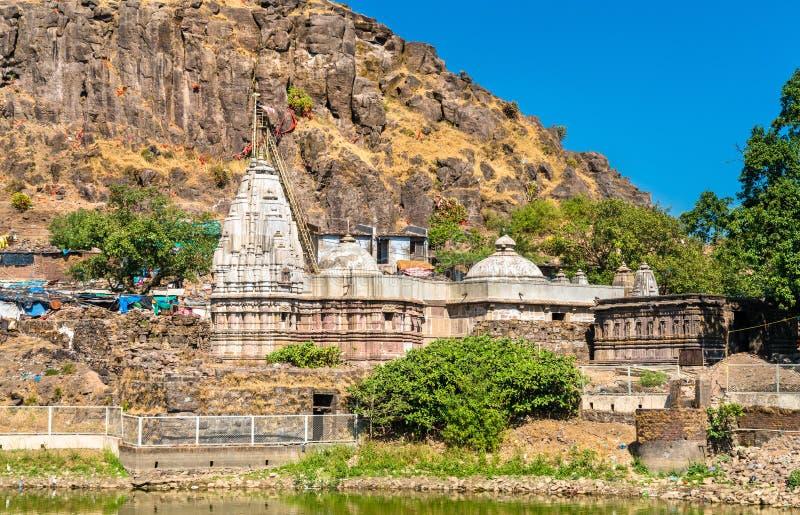 在Pavagadh小山-古杰雷特,印度的Suparshvanath老Digamber寺庙 图库摄影