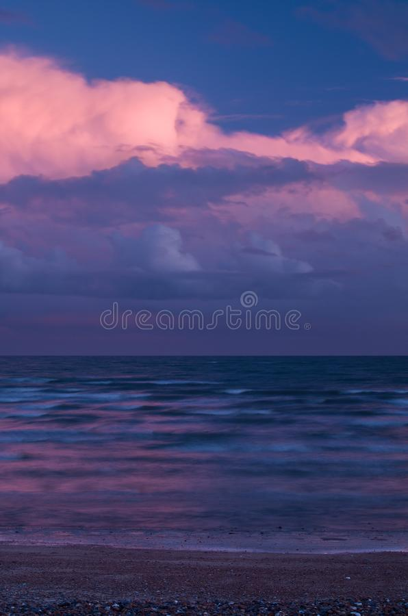 在Pebble海滩的可爱的颜色 免版税库存图片