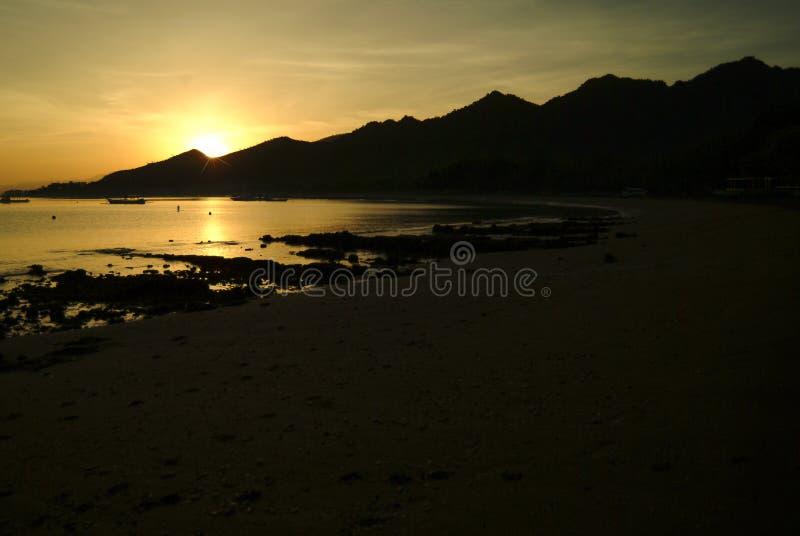 在Pemuteran海滩,巴厘岛,印度尼西亚的日出 库存照片