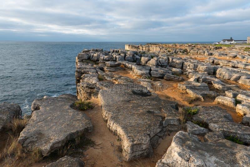 在Peniche (葡萄牙)附近的Cabo Carvoeiro 库存图片